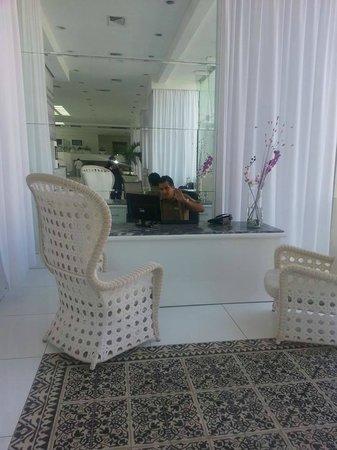 Krystal Cancun : El Gerente Paris A. --- gracias =)