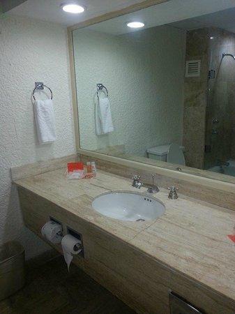 Krystal Cancun : Mi baño =)