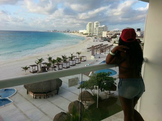 Krystal Cancun : Amazing view from my balcony