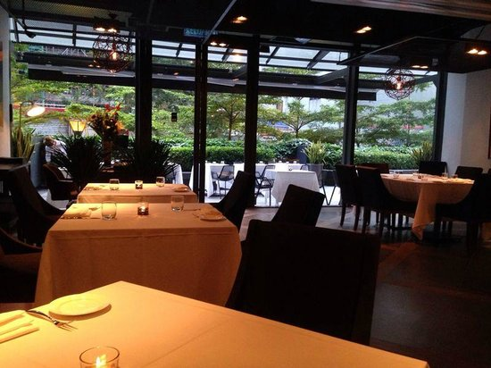 Zenzero Restaurant & Wine Bar: cozy atmosphere