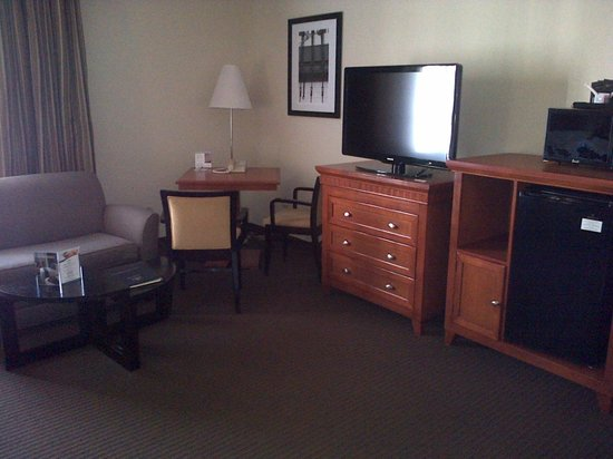 Best Western Plus Bayside Inn bedroom area