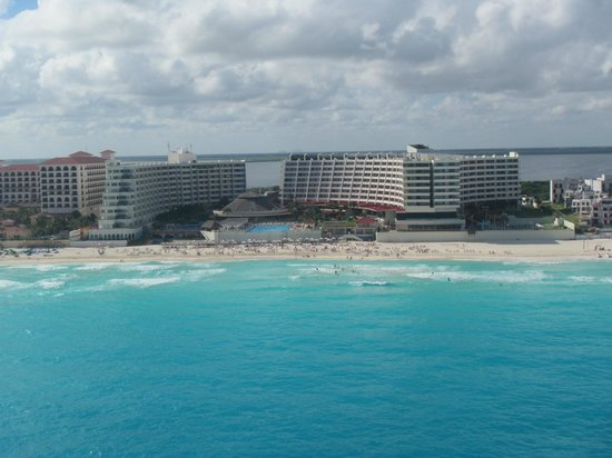 Crown Paradise Club Cancun : Picture of the resort I took on my parasailing adventure.