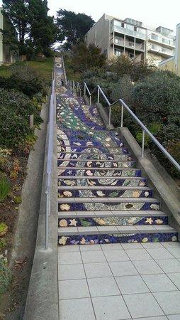 Сан-Франциско, Калифорния: Mosaic steps