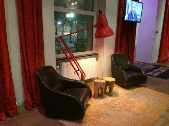 Comfort Hotel Grand Central : Un area en el Lobby