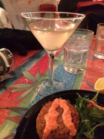 Maggie's Restaurant : Crab cake and martini