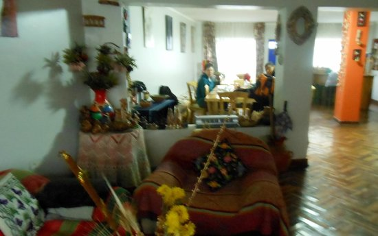 Kusillo's Posada: Lounge and breakfast room