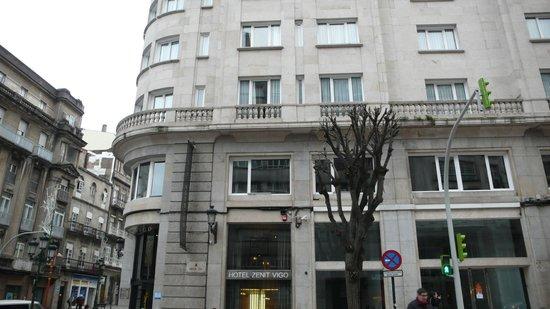 Hotel Zenit Vigo: Hotel y alrededores
