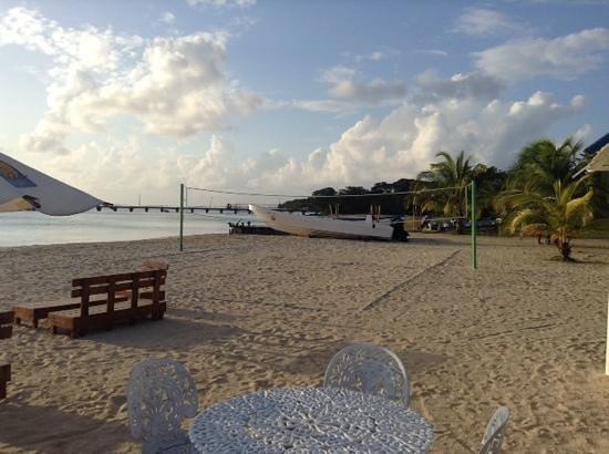 Arenas Beach Hotel: playa arenas beach