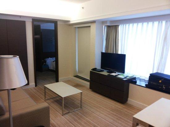 Harbour Plaza 8 Degrees: Living Room
