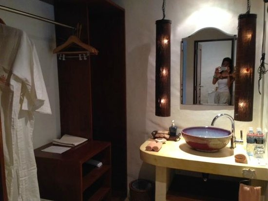 Paradise KohYao: bathroom