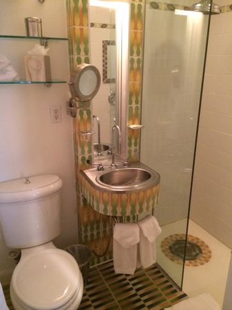 The Hotel of South Beach : Bathroom