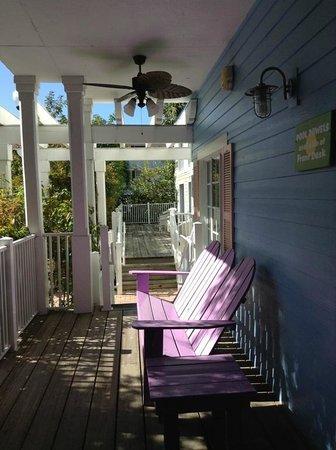Fairfield Inn & Suites Key West: Hotel grounds