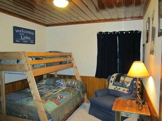 Hillcrest Lodge: Cottage Bedroom 2