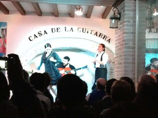 Casa de la Guitarra: The full Flamenco - cante (singing), toque (guitar playing), baile (dance) and palmas (handclaps