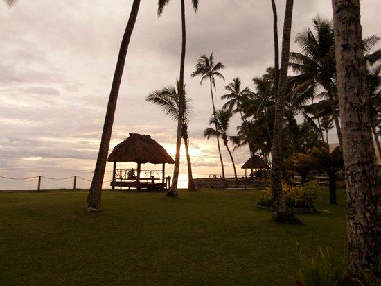 Fiji Hideaway Resort & Spa : Sunset