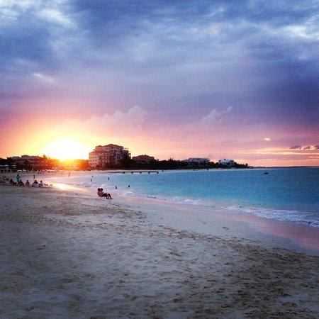 Caribbean Paradise Inn: Grace Bay Beach
