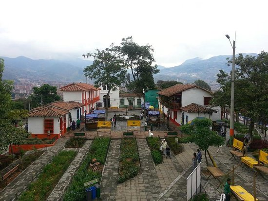 Diez Hotel Categoria Colombia : Visit El Pueblito during your stay
