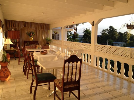 Ivanhoe's Guest House: Breakfast area