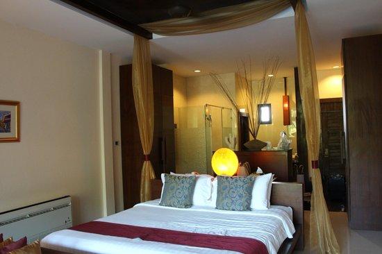 Koh Chang Cliff Beach Resort: room #804