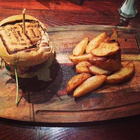 The Ivy house: The Lindsay burger