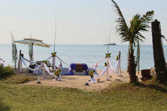 Koh Chang Cliff Beach Resort : Romantic dinner