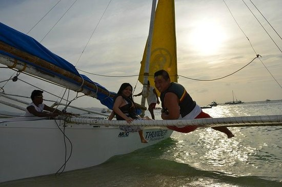 Bella Isa Salon and Spa : Sailing under the sunset