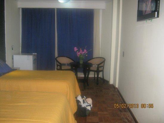 Latino Hotel: Habitación