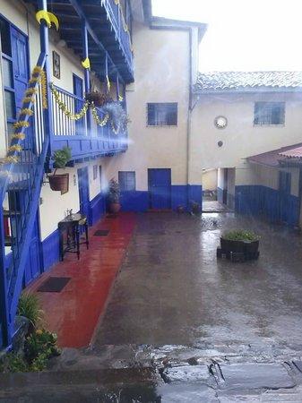 FamDreams Casa Hospedaje: UN LLUVIOSO DIA DE VERANO EN CUSCO