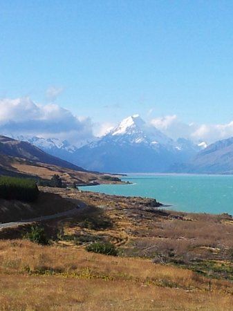 Mount Cook Glentanner Park Centre: on the way to plantanner