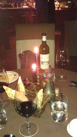 Auberge du Mange Grenouille: Notre table.