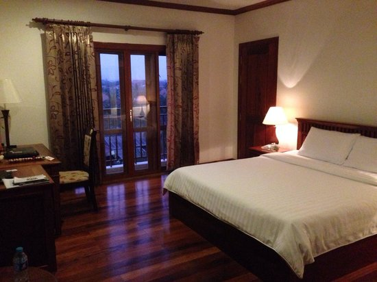 Cheathata Angkor Hotel: Colonial deluxe room