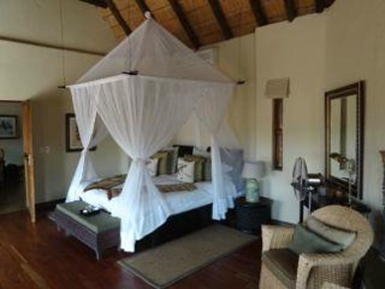 Tuningi Safari Lodge: The rooms are too die for...