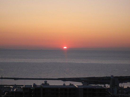 Utayu no Yado Atami Shiki Hotel: 水平線からの朝日