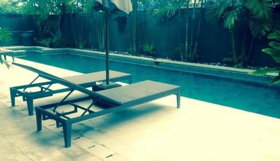 سنست رزيدنس كوندوتيل: Swimming Pool @ Condotel