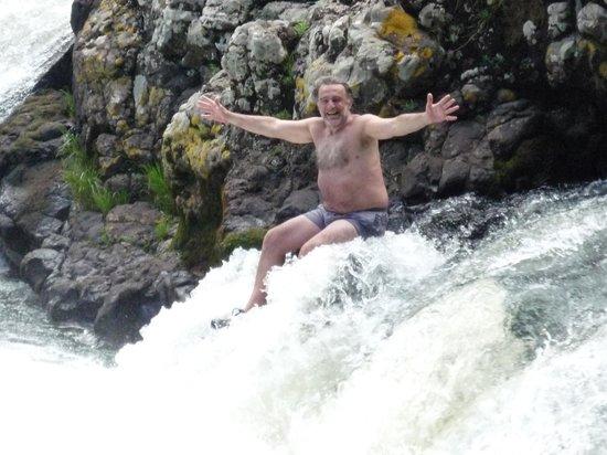 Beco Maia Lodge: Si querés más acción el Salto Del Paraiso está a pocos kms. Un  hidromasaje natural