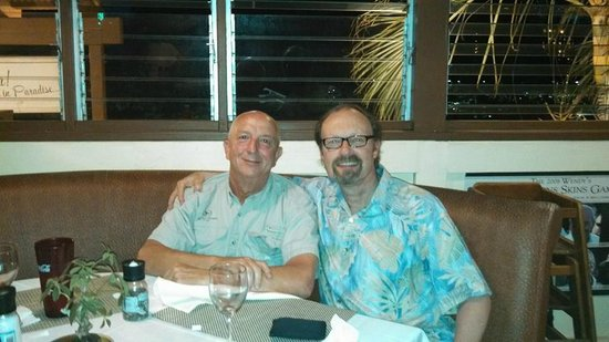 Paradise Grill and Mello's Bar: Bob and Peter, old friends sharing a great meal at 808 PG!!