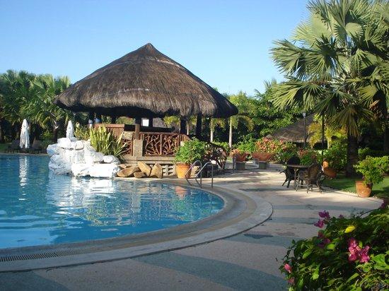 Puerto Del Sol Beach Resort : pool