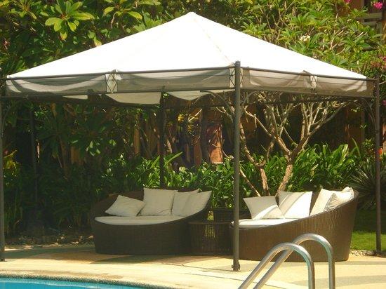 Puerto Del Sol Beach Resort : pool area