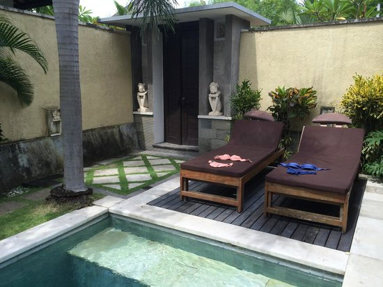 The Sanyas Suite Seminyak : Villa entrance view