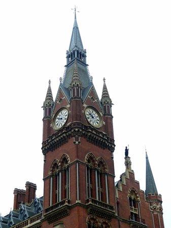 St. Pancras International Station: St. Pancras Station - The tower