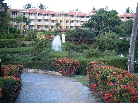 Viva Wyndham Dominicus Palace: beautiful grounds