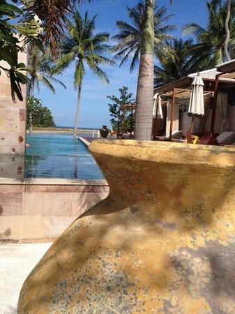 Elements Boutique Resort & Spa Hideaway: Outside Pool