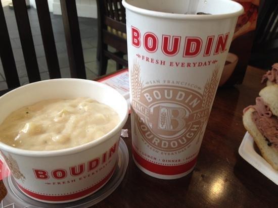 Boudin Bakery & Cafe: chowder