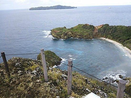Hahajima Island: 小富士からの眺め