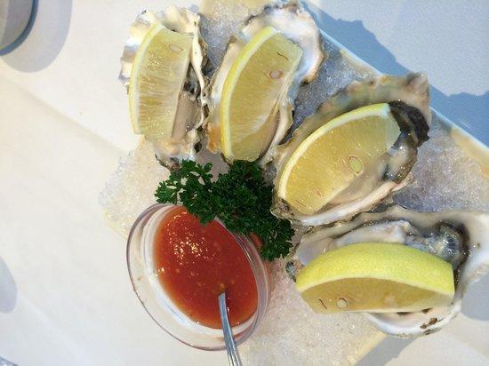 Tung Lok Seafood: fresh oysters