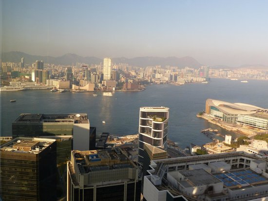 Island Shangri-La Hong Kong: View From Room of Victoria Harbour