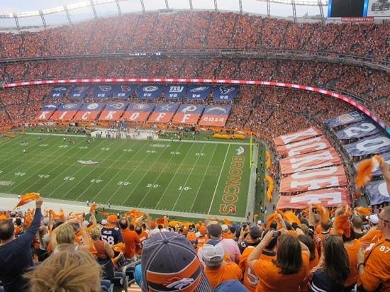 Sports Authority Field at Mile High: First game in season 2013/2014