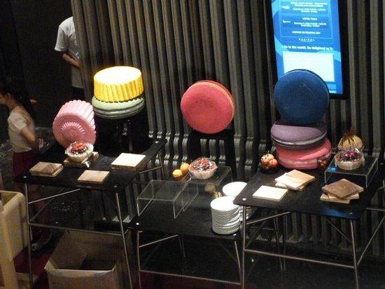 SO Sofitel Bangkok: salon decorado para la celebracion de un aniversario