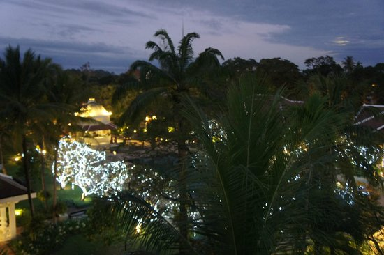 Raffles Grand Hotel d'Angkor : view at night