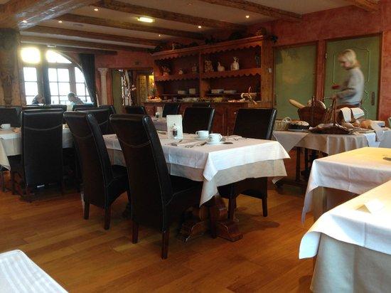 Hotel Les Suites du Montana : Ресторан для завтраков